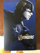 Hot Toys 1/6 Scale Mms174 Marvel The Avengers Captain America Action Box Only