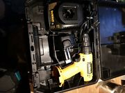 Dewalt Dw926 9.6v Cordless Drill/driver 1 Dw962 Battery Dw9061 Charger And Case