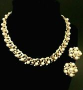 Vintage Trifari Stonybrook Set Of Necklace Earrings Pearl Crystals Jewelry Gold