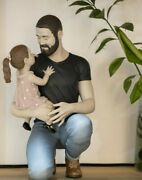 Lladrandoacute Porcelain Art By Lladro Sculpture Fatherhood On The Arms Of Father