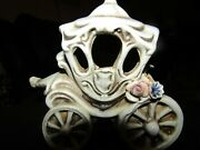 Capodimonte Ivory Small Princess Carriage 4 X 4.5 With Flowers On Back