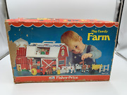 Vintage Fisher-price Little People Play Family Farm 915 Set Barn With Animals