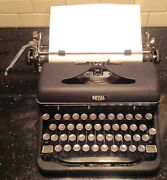 Vintage Royal Quite De Luxe Manual Portable Typewriter W/case And Glass Keys
