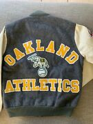 And03989 World Series Champions Vtg Oakland Aand039s Athletics Chalk Line Jacket - Small