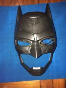 Dc Batman Voice Changing Mask With Over 15 Phrases And Light Up Cosplay Costume