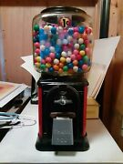 1950's Victor Topper 1 Cent Gumball Vending Machine Machine