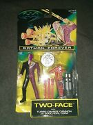 New Vintage 1995 Batman Forever Two-face W/ Cannon And Coin Action Figure