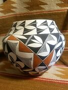 Outstanding Rare 9.5 Tall Acoma Olla Jar 10.5 Widest Fancy Detailed Decoration