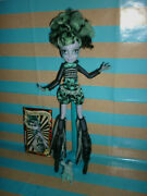 Monster High Freak Du Chic Twyla Doll Inc' Card, Stand, Brush And Pet