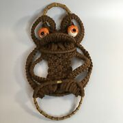 Vintage Macrame 70and039s Brown Frog Towel Holder Bamboo Rings Ceramic Eyes 20andrdquo