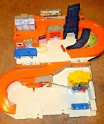 Hot Wheels Car Wash And Service Station Center Playset Mattel 2015 Close And Carry