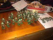 36 Vintage Crescent Painted British Military Toy Soldier Plastic Figures 60/70s