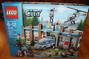 Lego City 4440 Forest Police Station 633 Pcs 5 Minifigures Helicopter Sealed