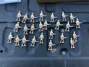 25 Vintage Britains Soldiers Wwi Scottish Infantry Nos Defunct Toy Store Stock