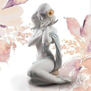 Lladró Porcelain Art By Lladro. Candida Light Of Moon In White