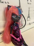 Monster High Boo York Musical Catty Noir Doll Outfit Shoes
