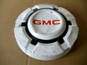 I Oem 1960and039s Gmc Dog Dish Hubcap 10.5 Inches 1967 - 1972 Chevy Hub Caps