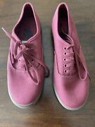 Authentic Womens Classic Burgundy Canvas Skate Shoes Size 5 Nwot