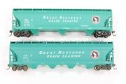 Ho Athearn And Accurail Great Northern Glacier Green Acf Hoppers W/ Diff S