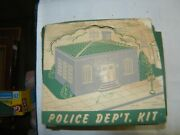 Plasticville - O Scale - Police Department Pd-3 Red And Gray And Green