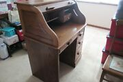 Red Oak Rolltop Desk With Hardwood In Drawers 36 X 24 X 46 Great Condition