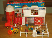 Vtg 1968 Fisher Price Play Family Farm 915 Little People Complete And Door Moos