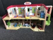 Playmobil 5265 Hotel With Loads Of Accessories