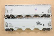 Ho Athearn Rtr Missouri / Union Pacific 54ft Acf Centerflow Covered Hoppers Xlnt