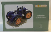 Universal Hobbies 1/16 Scale Uh2816 - Fordson E27n Roadless Tractor - Blue Su7