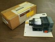 New In Box Hubbell 2220111cc4 Speed Switch Hc00720400