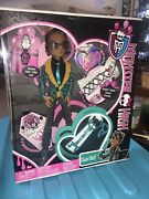2011 Clawd Wolf Sweet 1600 Monster High Doll Draculaura Dress Retired Brand New