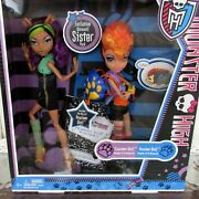 Monster High Werewolf Sisters Clawdeen Howleen Wolf New In Box 2011 Actual Dolls