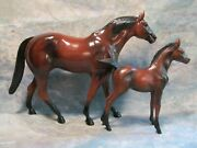 Vintage Hartland Large Bay Thoroughbred Mare And Foal Horses