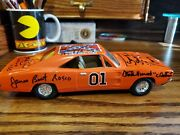 Dukes Of Hazzard General Lee Ertl 1/25 Signed By 6 Cast Members