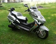 250 Cc Adults Gas Scooter Street Legal Silver Color Metro Rider Ships Assembled