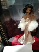 Snow White Disney Premiere Doll Snow White Limited Edition Doll New