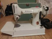 Vintage Singer White Featherweight Sewing Machine 221k With Case.