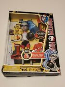 Monster High School Ghoulia Yelps Physical Deaducation Education Doll 2011 New