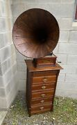 Columbia Graphophone Type Bet Phonograph With Spear Tip Horn And Cabinet