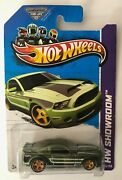 Hotwheels 2013 Super Treasure Hunt '10 Ford Shelby Gt500 Supersnake Mustang Read