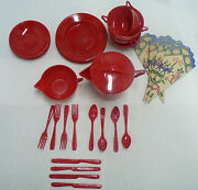 Childs 4 Place Setting Of Plastic Miniature Dishes