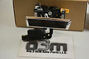 Chevrolet Avalanche Cadillac Escalade Ext Tailgate Handle With Actuator New Oem