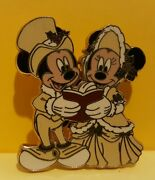 Disney Pin Victorian Carolers - Mickey And Minnie Mouse First Release Error Rare