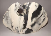 VINTAGE 1980s  CAROLYN LEUNG VASE CLAY POTTERY BLACK & WHITE VASE/ART SCULPTURE