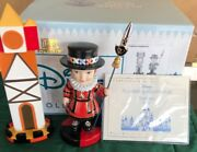 """Wdcc Disney Collectible . Its A Small World After All """"royal Duty"""" W/ Box ,coa"""