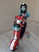 Monster High Ghoulia Yelps Scooter With Accessory And Doll