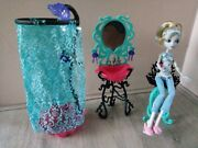 Monster High Dead Tired Lagoona Blue Doll And Bathroom Station Playset