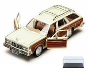 Diecast Car And Case 1979 Chrysler Lebaron Town Andcountry Wagon Motormax 73331 1/24