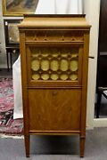 Thomas A Edison Wind-up Diamond Disc Phonograph And Oak Cabinet. 20 Records. Works