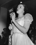 Judy Garland Singing Into Vintage Cbs Microphone 16x20 Canvas Giclee